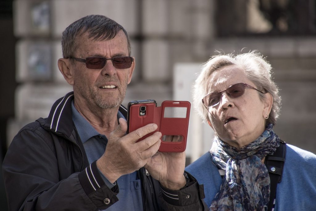 elderly cell phone usage